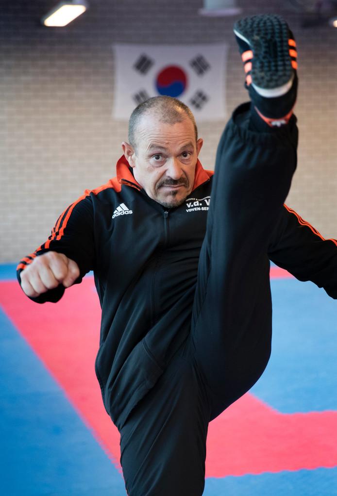 Taekwondoleraar en sportschooleigenaar Louis van Esch uit Den Bosch stopt ermee.