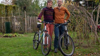 Jeroen en Annelies fietsen Dwars door Oeganda voor Broederlijk Delen