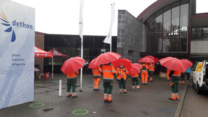 FNV-actie bij Dethon-vestiging aan de Haarmanweg in Terneuzen.