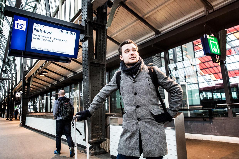 Dion Mebius / met de trein naar Barcelona en terug met het vliegtuig naar Amsterdam / Amsterdam Centraal / Centraal Station / Amsterdam / CS / Thalys Beeld Aurélie Geurts