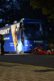 Ernstig gewonde man die met kart tegen touringcar in Vorden botste droeg geen helm