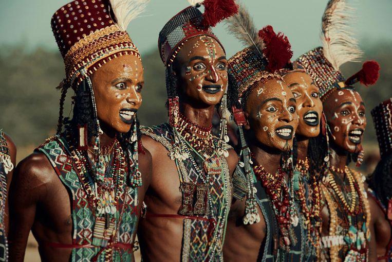 Beeld uit het boek Homage to Humanity. Gerewol festival, Chari-Baguirimi region, Wodaabe, Tsjaad Beeld Jimmy Nelson