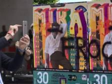 Bekladde poster Mika ontketent campagne tegen homohaat