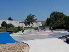 Skaters openen skatepark in Poeldijk met speciale show