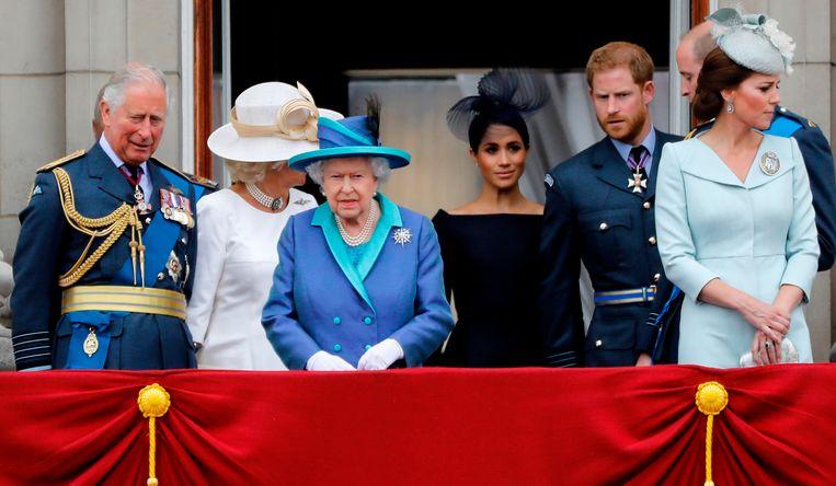 Meghan als zwart schaap tussen de familie van Harry.
