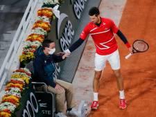 Djokovic raakt wéér lijnrechter in gezicht: 'Zeer pijnlijk déjà vu'