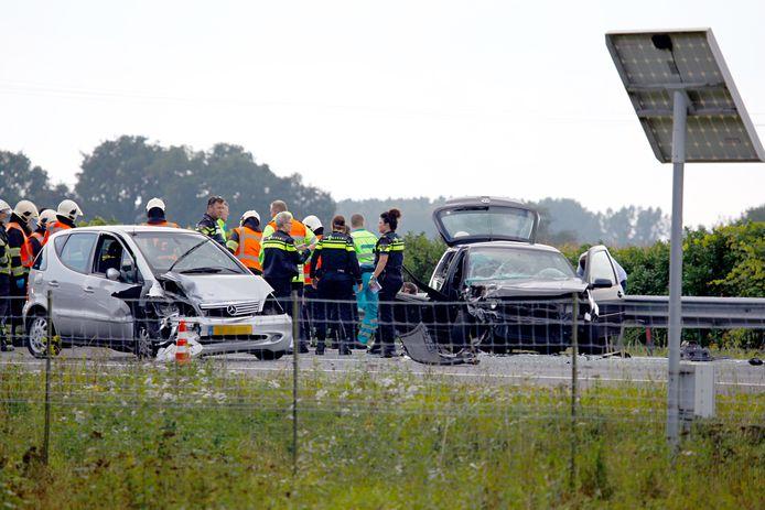 Hulpdiensten op de A73 na een ongeval met een spookrijder.