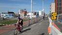 Voet- en fietspad op de Kop van de Noordstraat in Terneuzen verlegd om De Kampanje te kunnen bouwen.
