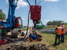 Stevigere Waaldijk: staal waar nodig, plastic waar het kan