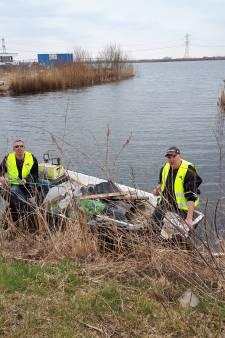 Vissers ruimen op rond Woerdense recreatieplas