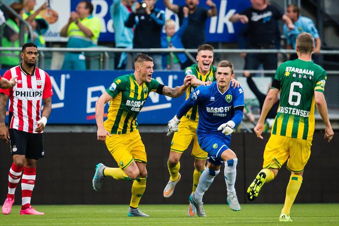 Doelman Martin Hansen bezorgde ADO in 2015 in de slotfase een punt tegen PSV.