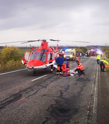 13 doden en twintig gewonden bij ongeluk met bus Slowakije