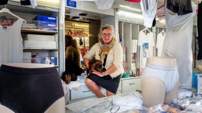"""Onverwacht overleden marktboegbeeld Bart Smissaert (62) krijgt ultiem eerbetoon, vrouw Liliane zet levenswerk verder: """"Bart zou het zo willen"""""""