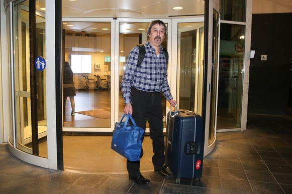 15 februari. Philip Soubry, de eerste besmette Belg, verlaat het Sint-Pietersziekenhuis.
