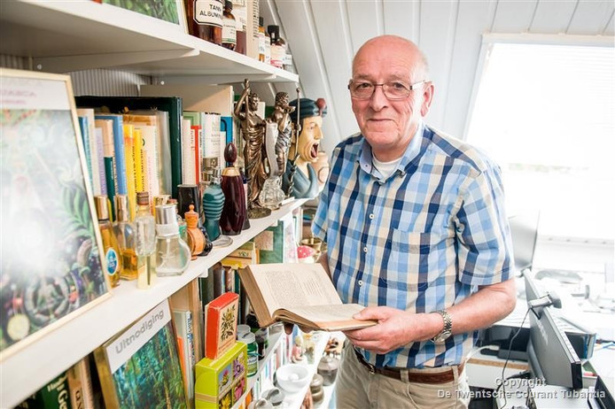 Albert Luttikhuis heeft 2140 boeken over geneeskrachtige planten