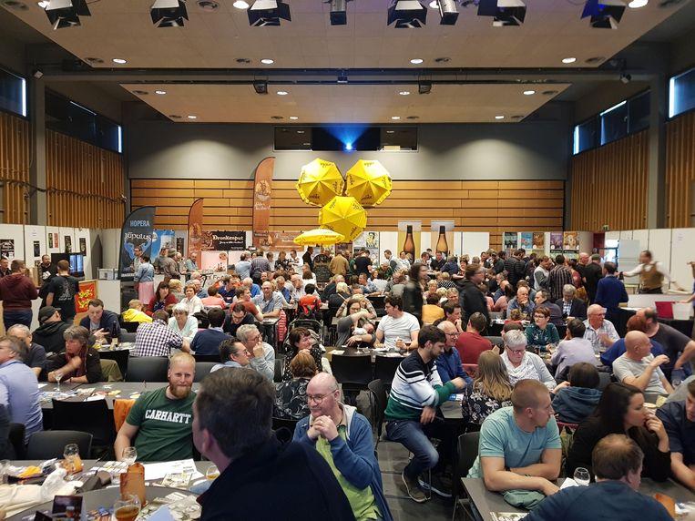 De zevende editie van het Streekbierenfestival lokte tussen de 1.600 en 1.700 bezoekers en bijgevolg een bomvolle zaal Balluchon