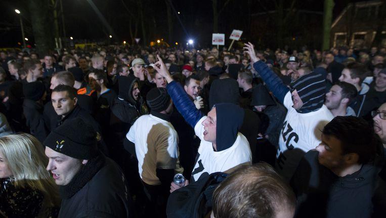 Inwoners van Geldermalsen protesteren. Beeld anp