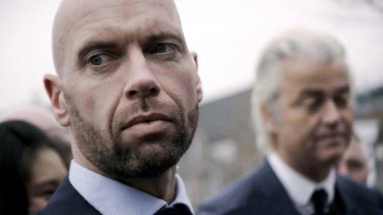 Michael, persoonsbeveiliger van Geert Wilders. 'Als ik moet kiezen tussen het leven van een 6-jarig kind en de persoon die ik beveilig, zal ik voor de laatste kiezen. Dat is mijn taak.' Beeld  Still uit documentaire De Beveiligers door Anneloek Sollart