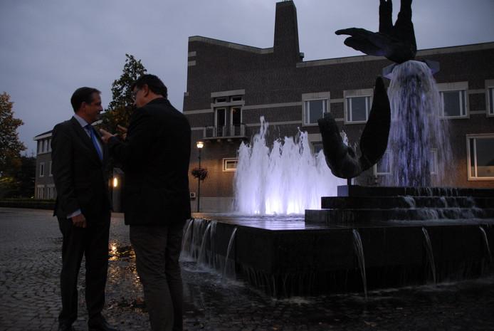 Pechtold op bezoek bij het gemeentehuis in Schijndel.