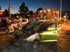Vermoedelijk brandstichting: twee autobranden in een nacht in Papendrecht