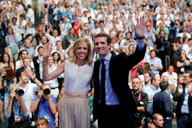 Pablo Casado met zijn vrouwe Isabel Torres. Beeld EPA