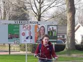 Plakploeg van Algemeen Belang is uitgerukt: verkiezingsborden in Oisterwijk zijn gevuld