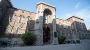Drugssmokkel in coronatijden: gevangenen krijgen gevulde tennisballen en mandarijnen toegeworpen