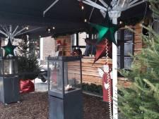 Dan maar een skihut in kerstsfeer op de Bossche Markt, als er bijna niets mag