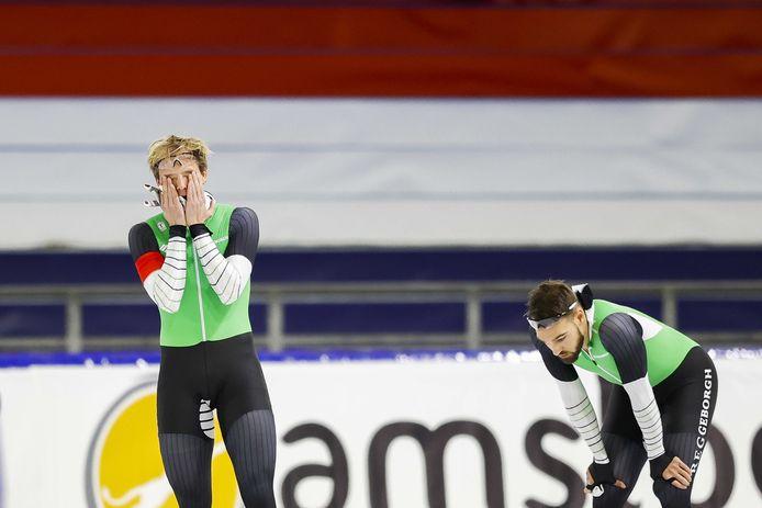 Ronald Mulder en, Kjeld Nuis na hun rit op de 500 meter tijdens het NK Sprint in Thialf.