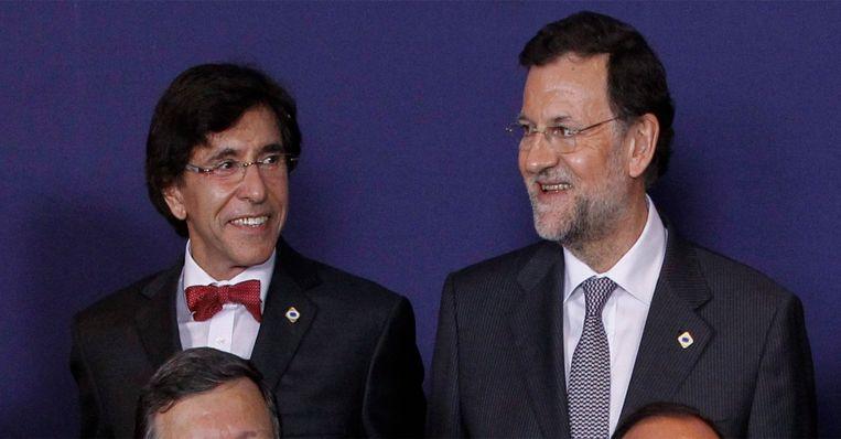 Elio Di Rupo als Belgisch premier in 2012 en huidige Spaans premier Mariano Rajoy op een Europese top in Brussel.