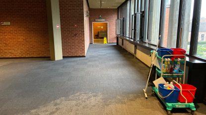 """Duizenden liters water stromen Brugs gerechtsgebouw binnen door defect urinoir: """"Dringende renovatie dringt zich op"""""""