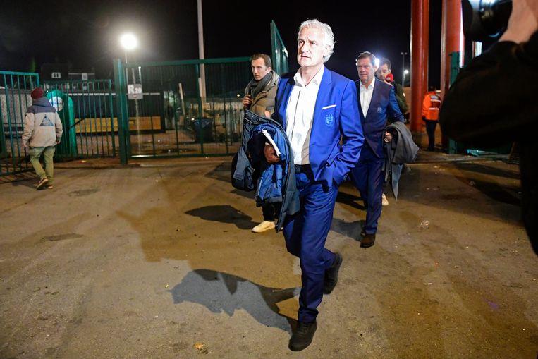 Fred Rutten bij het verlaten van het Stade Maurice Dufrasne.
