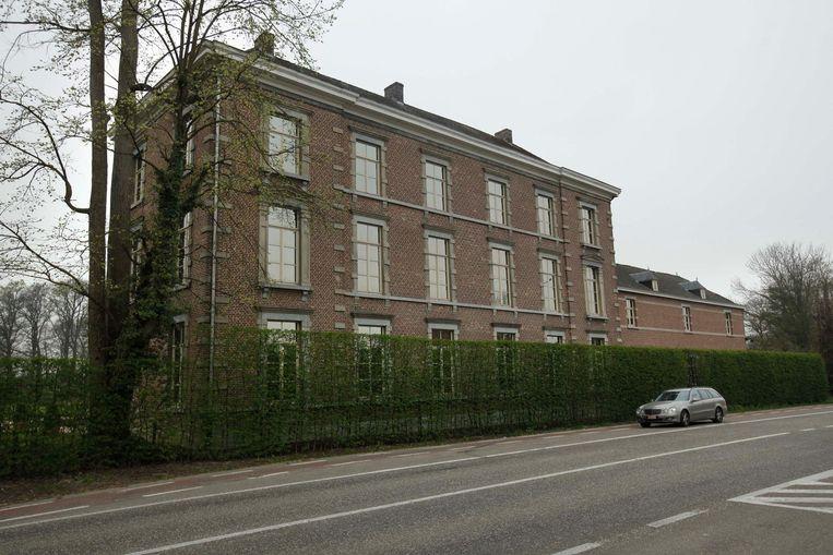 Het oplichterskoppel woonde enkele jaren in het kasteel van Wimmertingen langs de Luikersteenweg in Hasselt.