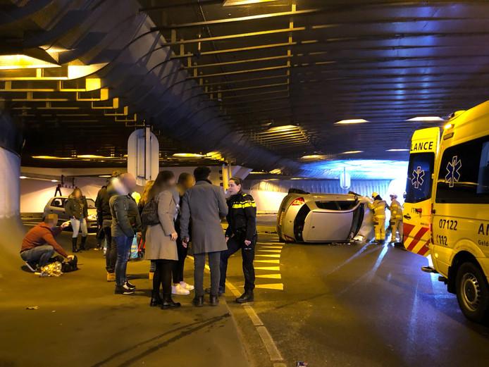 Hulpdiensten in de Willemstunnel.