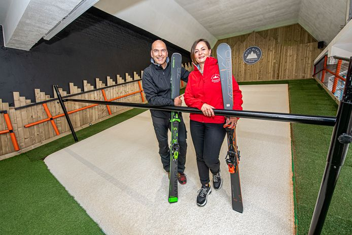 Wim Bracke en Celine Boddin verwelkomen alle geïnteresseerden tijdens de opendeur van Mont Blanc