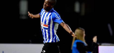 Vleugelflitsers imponeren bij foutloos FC Eindhoven: 'De wedstrijdbal gaat naar mijn moeder in Portugal'