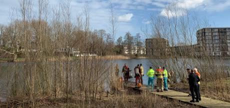 Politieheli en duikers zoeken naar mogelijke drenkeling in Den Bosch