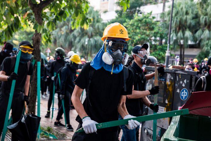 De violentes manifestations se déroulent actuellement à Hong Kong.