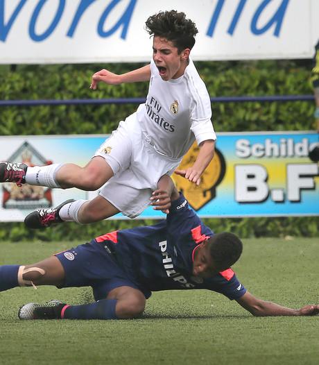 PSV-contract voor talent Sambo (16), PSV trekt nieuwe fysiotherapeut aan