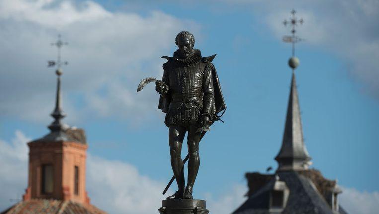 Het standbeeld van Don Quichot in Alcala de Henares, nabij Madrid. Beeld Afp