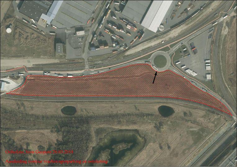De nieuwe truckparking komt aan de rotonde van de Hazopweg.