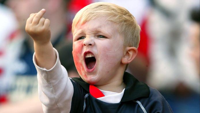 Afbeeldingsresultaat voor jongen middelvinger feyenoord