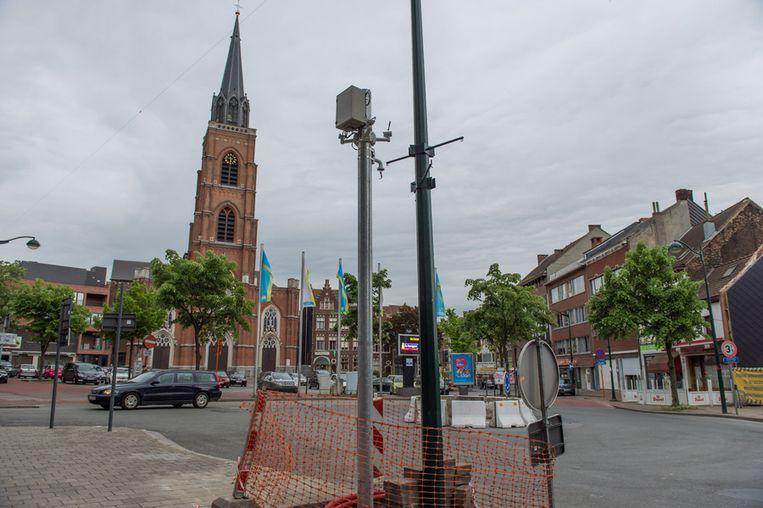 De camera's sturen de beelden door naar de zendinstallatie in de kerktoren.
