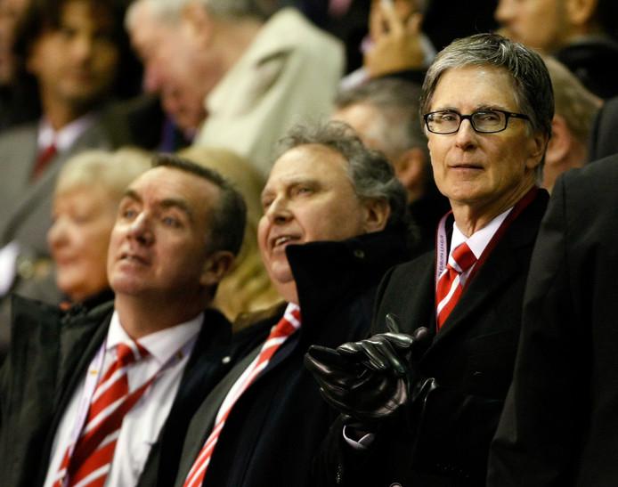 Liverpool-eigenaar John Henry (r).
