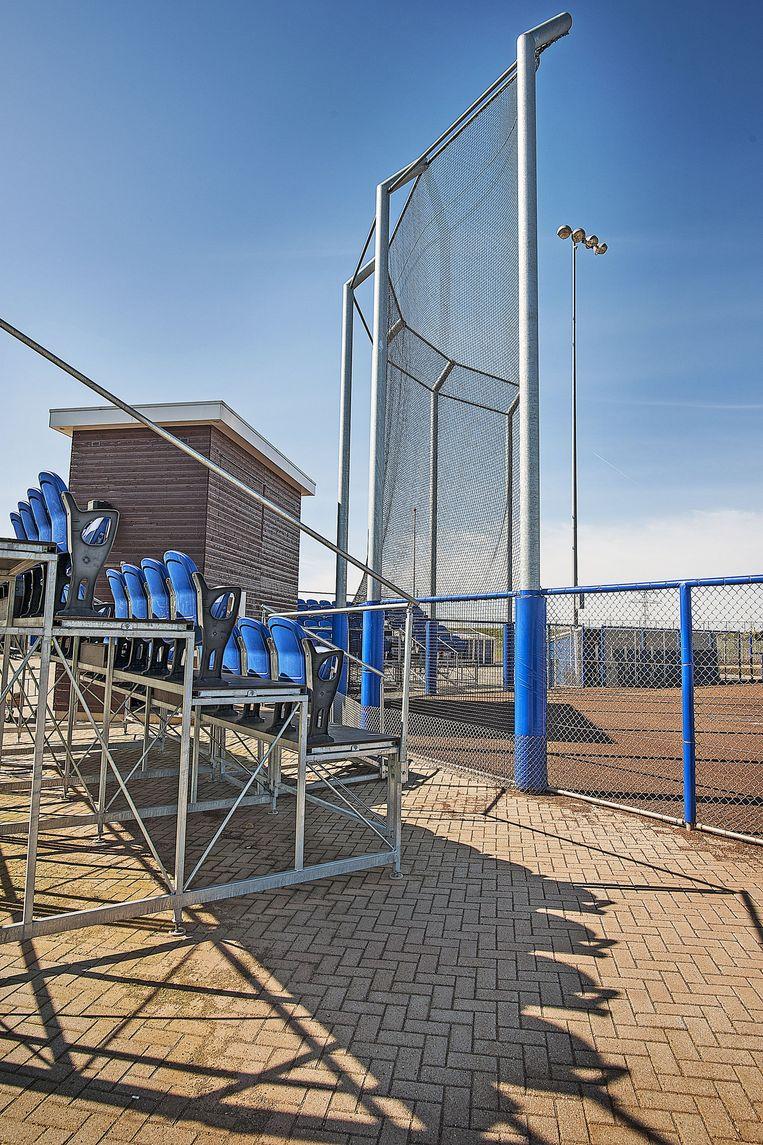 Het spiksplinternieuwe honkbal stadion van de Hoofddorp Pioniers. Beeld Guus Dubbelman / de Volkskrant