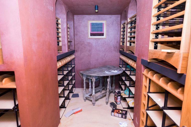 De wijnkelder werd leeggehaald.