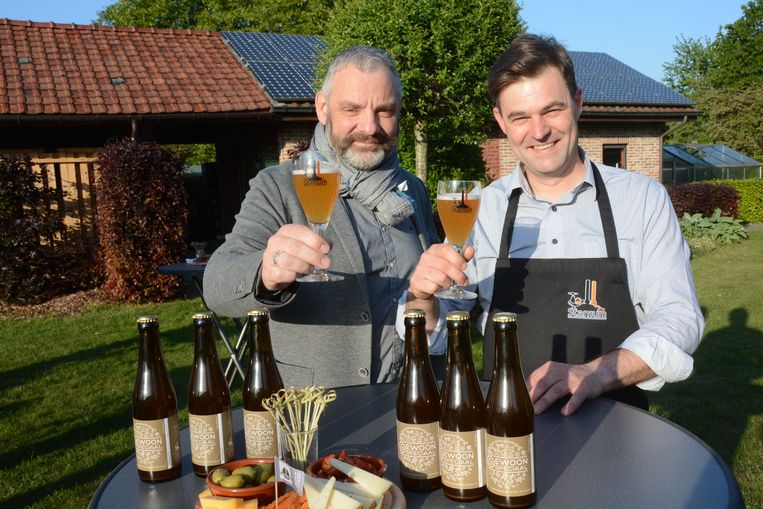 Bruno Schelkens en Wim Tindemans brouwden het 'speciale' bier ter gelegenheid van de Special Olympics
