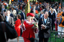 Burgemeester Fred de Graaf vergezelde de koninklijke familie op haar tocht door Apeldoorn.