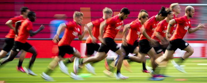 Onder trainer Roger Schmidt is een aantal intensieve sprints bij PSV regelmatig onderdeel van de training.
