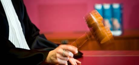 Zedenverdachte biecht zelf vergrijpen op bij ouders slachtoffer